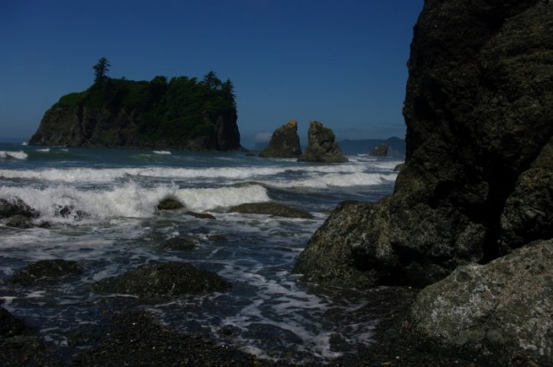 A bright sunny day on Ruby Beach.